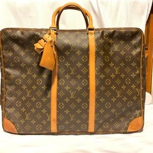 Louis Vuitton Travelling Bag